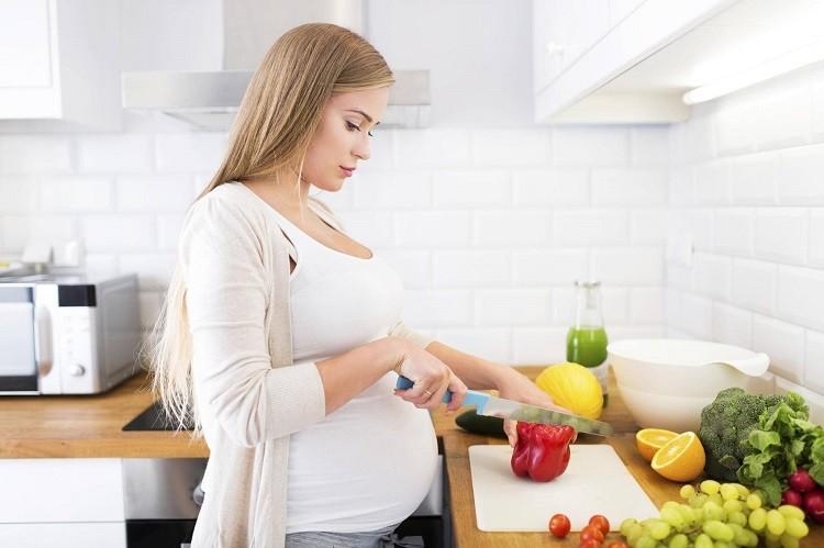 10 dưỡng chất bà bầu cần bổ sung khi mang thai