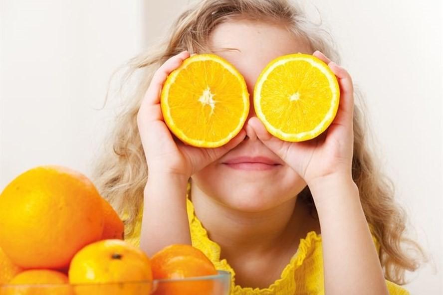 Dấu hiệu trẻ thiếu vitamin C và cách bổ sung vitamin C mẹ cần biết