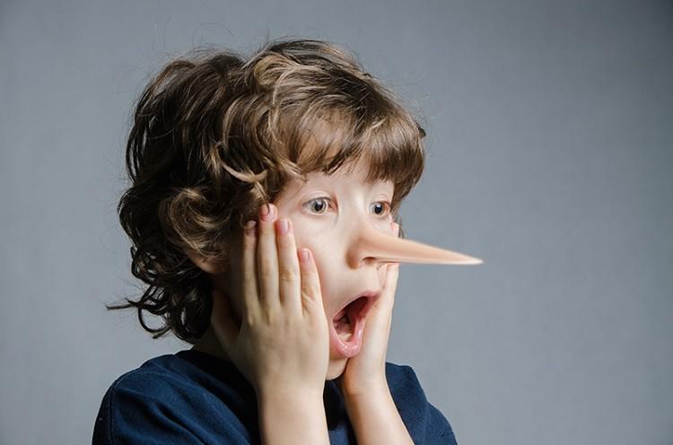 Cha mẹ cần làm gì khi trẻ nói dối thường xuyên?
