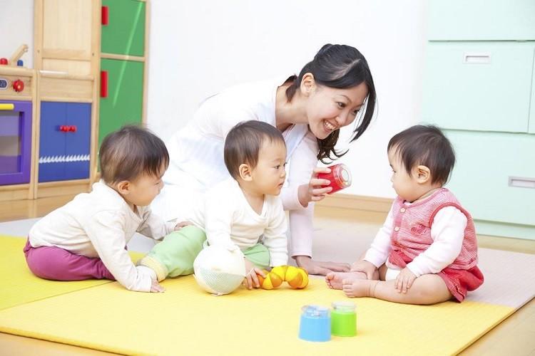 Kinh nghiệm cho bé đi nhà trẻ cha mẹ có thể tham khảo