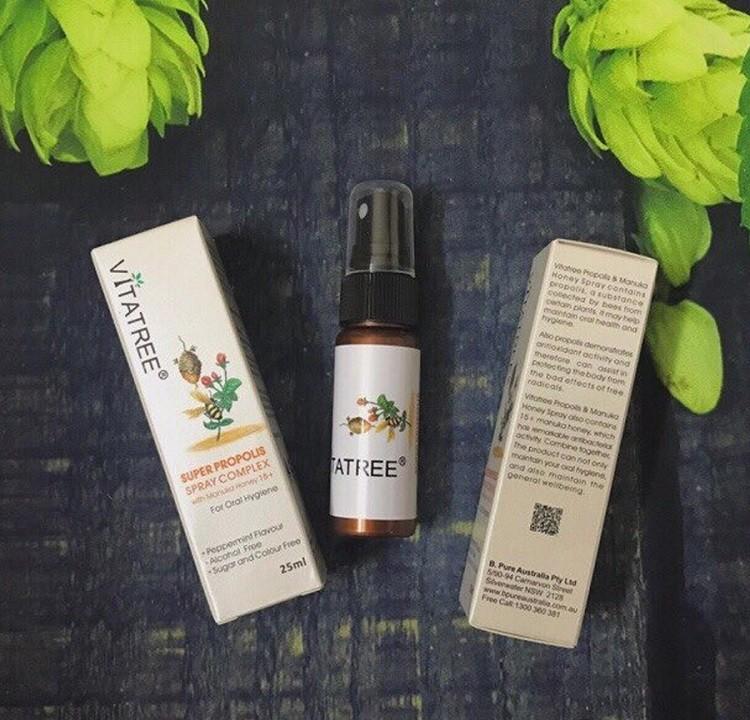 Review xịt keo ong Vitatree kháng viêm, giảm đau họng của Úc