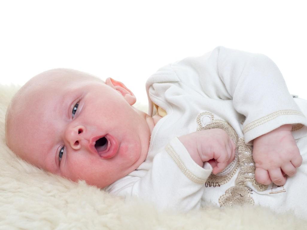 Trẻ sơ sinh bị ho phải làm sao? Lời khuyên của chuyên gia