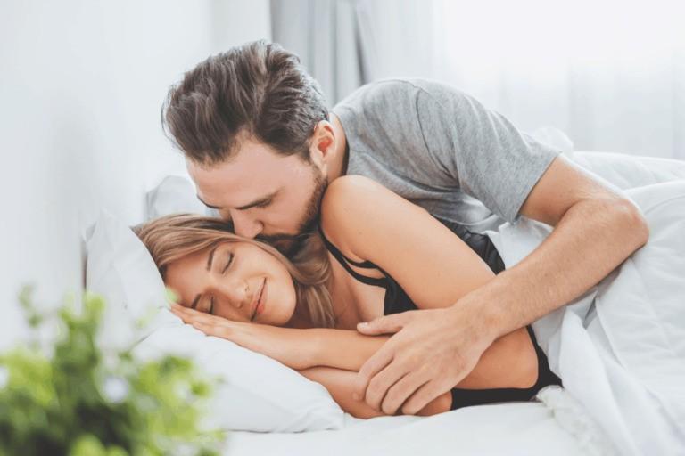 Mang thai 5 tháng có nên quan hệ không? Trường hợp không được quan hệ khi mang thai