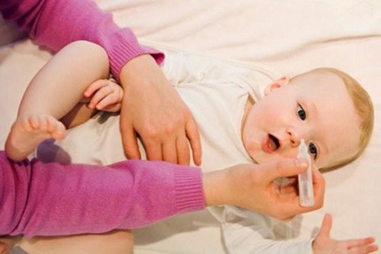 Có nên rửa mũi cho trẻ hàng ngày không?