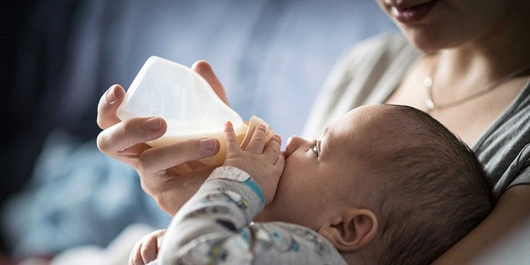 Kinh nghiệm đổi sữa cho trẻ sơ sinh cực hữu ích