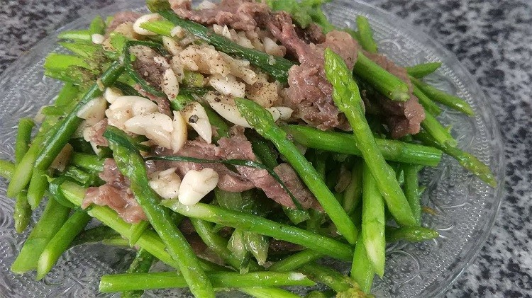 Măng tây xào thịt bò