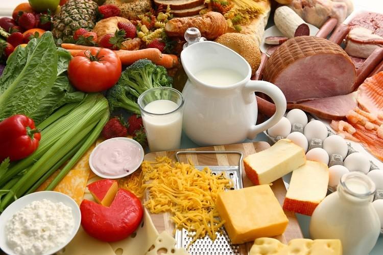 trứng, sữa, rau xanh, ngũ cốc…