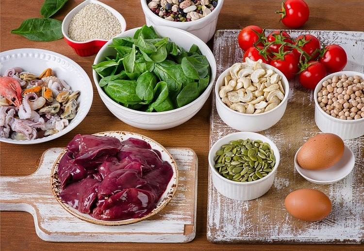 Những thực phẩm nào bà bầu không nên ăn?