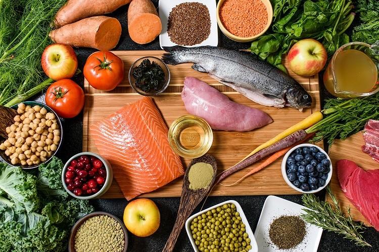 chế độ ăn đa dạng, đầy đủ chất dinh dưỡng
