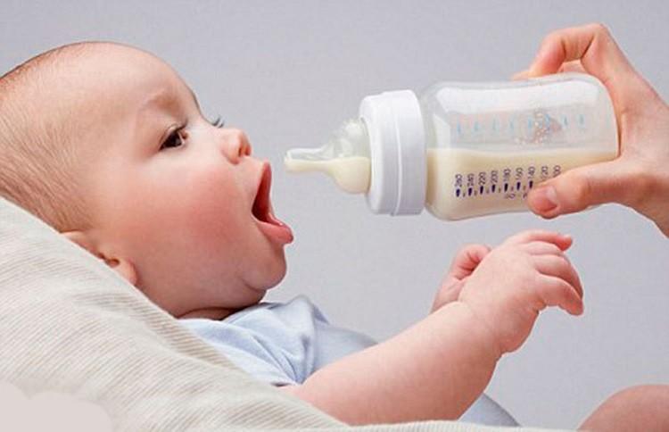 không hợp sữa ngoài