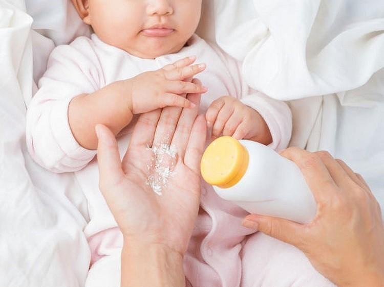 phấn rôm em bé