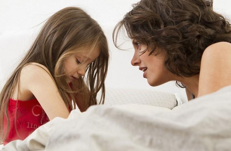 động viên thật nhiều để trẻ sẵn sàng ngủ riêng
