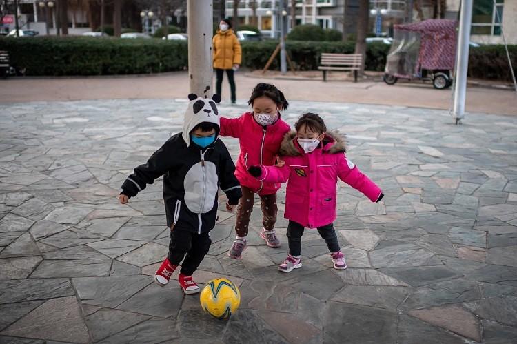 số ca nhiễm corona virus ở trẻ em ít hơn người lớn