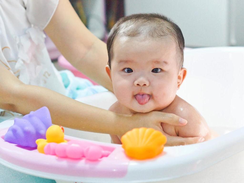 trẻ sơ sinh bị ho phải làm sao, bé sơ sinh bị ho phải làm sao, trẻ sơ sinh bị ho phải làm thế nào, trẻ sơ sinh bị ho khan phải làm sao, trẻ sơ sinh bị ho thì phải làm sao, trẻ sơ sinh bị ho đờm phải làm sao, trẻ sơ sinh bị ho nhiều phải làm sao, trẻ sơ sinh bị ho nhẹ phải làm sao