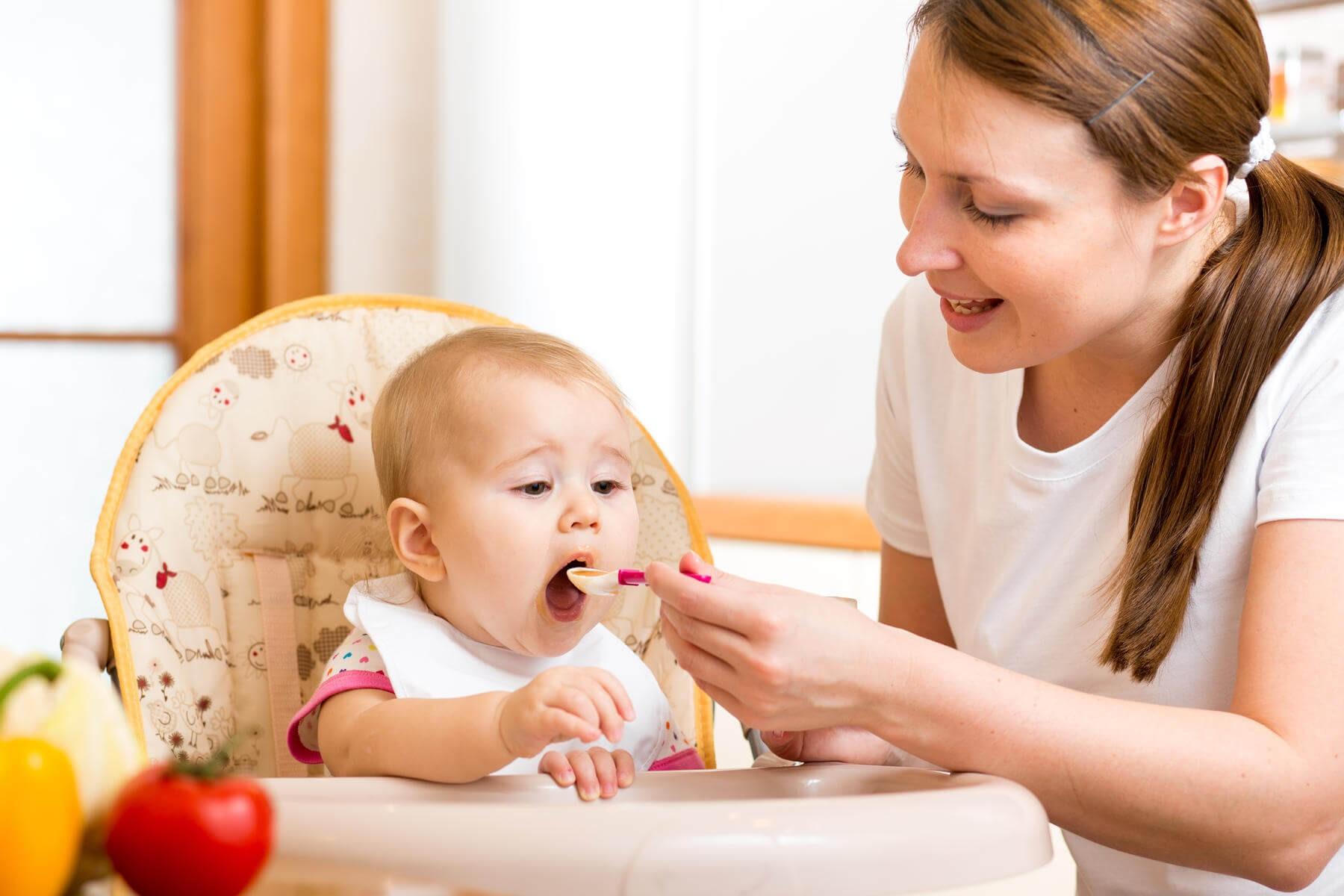1 tuần cho bé ăn mấy hộp sữa chua