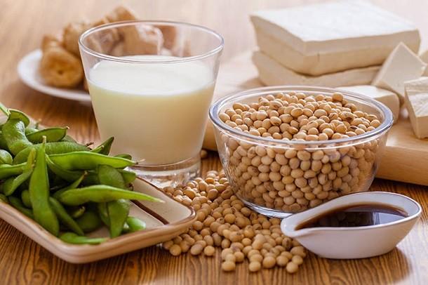 Bà bầu uống sữa đậu nành có tốt không? Có ảnh hưởng gì đến thai nhi không?